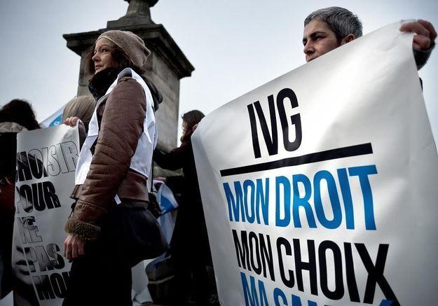 IVG : faut-il redouter un affaiblissement du droit à l'avortement ?
