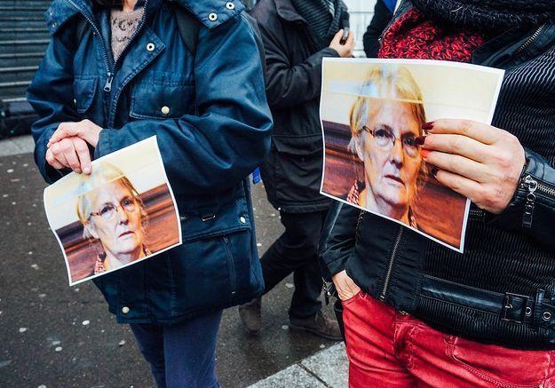 Jacqueline Sauvage se voit enfin accorder une grâce totale par François Hollande