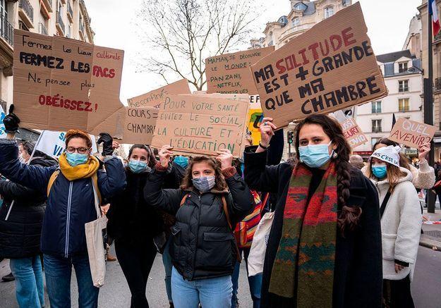 « Je n'ai plus d'espoir » : le cri d'alerte des étudiants face à un troisième confinement