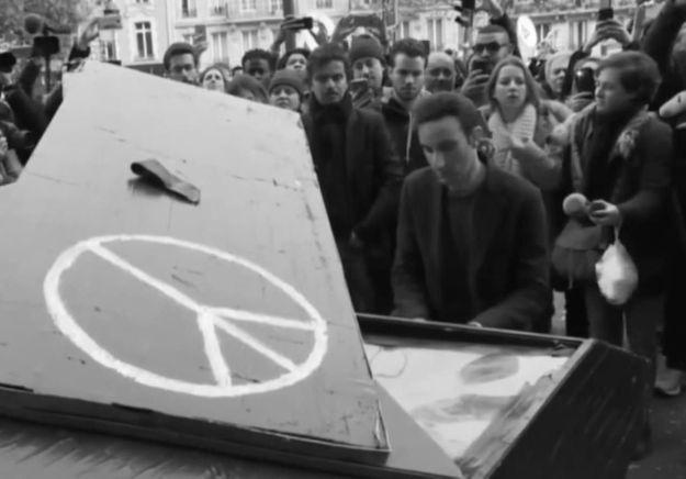 Klavierkunst, le pianiste du Bataclan a joué à République