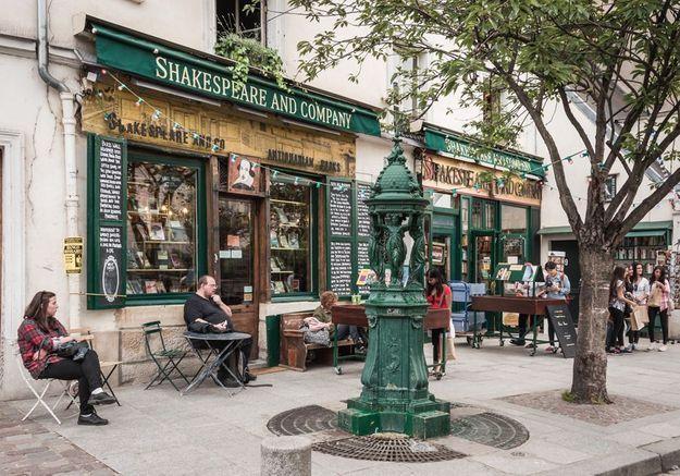 L'édito de ELLE : la fermeture des librairies ou l'oubli de l'essentiel