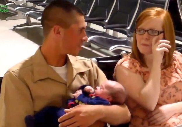 L'émotion des GI qui voient leur bébé pour la première fois