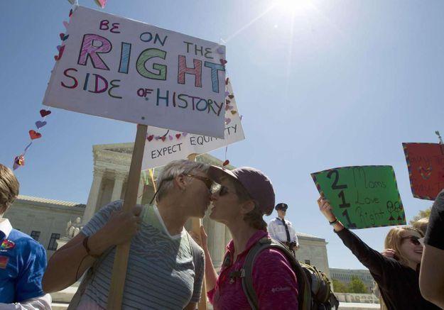 L'Irlande vote largement en faveur du mariage gay