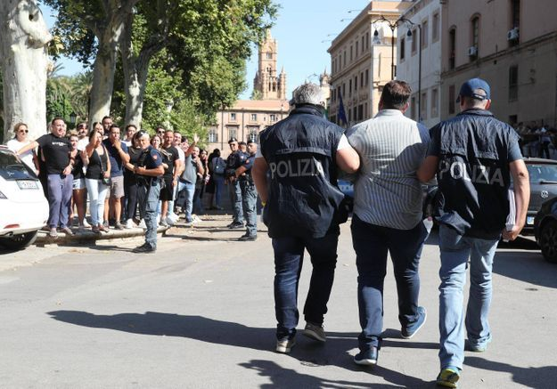 Roberto Saviano : « La mafia ne connaît pas la crise »