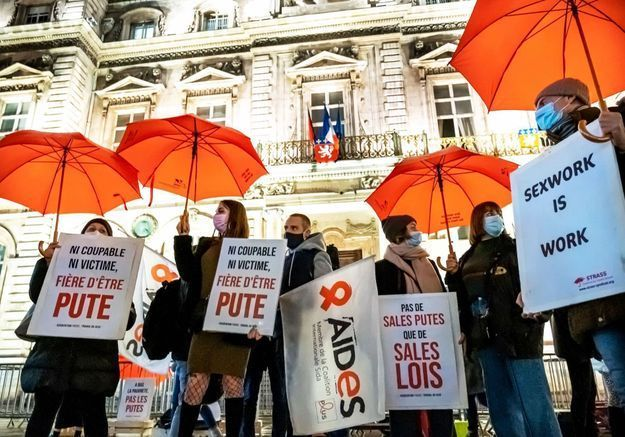 Le gouvernement va-t-il enfin écouter les travailleuses du sexe ?