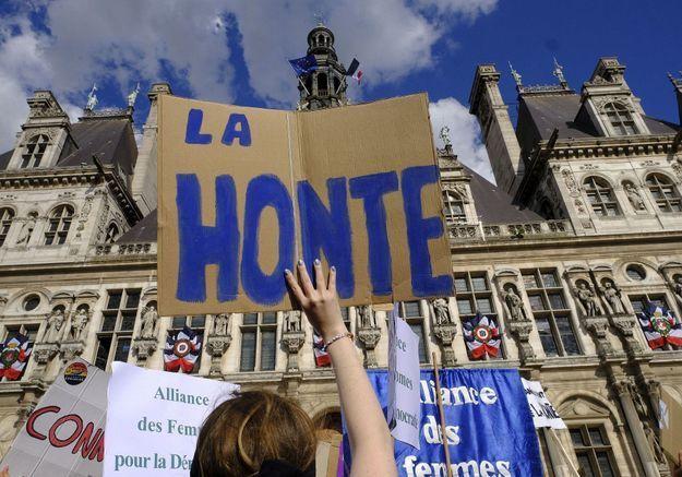 Les Féministes réagissent à l'affaire Darmanin : « La France pays des droits de l'homme, pas des droits de la femme »