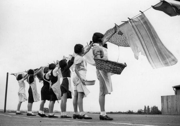 Les inégalités autour des tâches ménagères existent dès l'adolescence