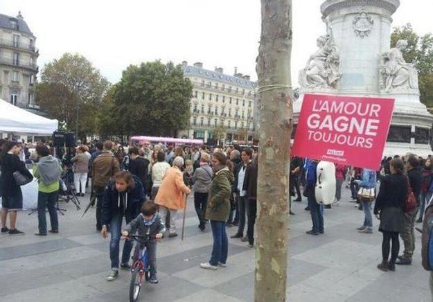 Les opposants à la Manif pour tous dans la rue