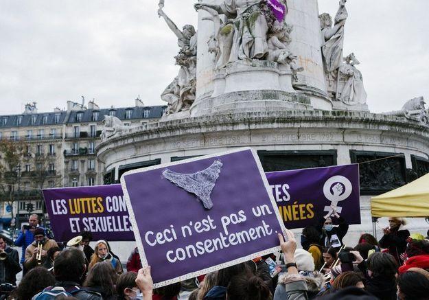 Lutte contre les violences faites aux femmes : une manifestation parisienne marquée par la pandémie