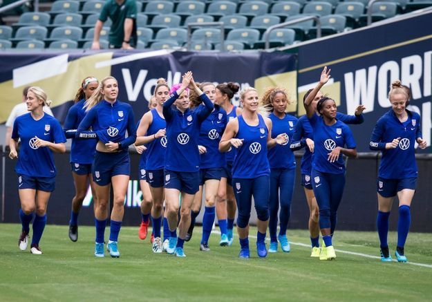 « Nous sommes tous égaux » : le message des joueuses de l'équipe nationale de football américain à leur fédération