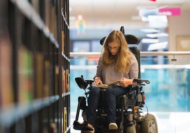 #NousEtudiantEsHandiEs : sur Twitter, ils racontent la difficulté d'être étudiant et handicapé