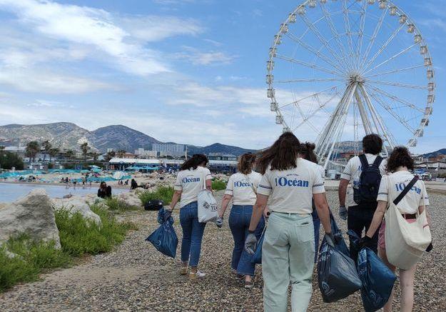 On y était : sur la plage, à mobiliser les foules pour nettoyer nos déchets !