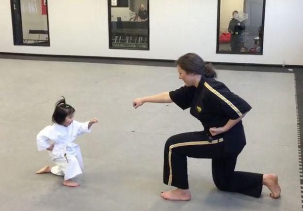 Prêt-à-liker : Sophie, 3 ans, pro du taekwondo