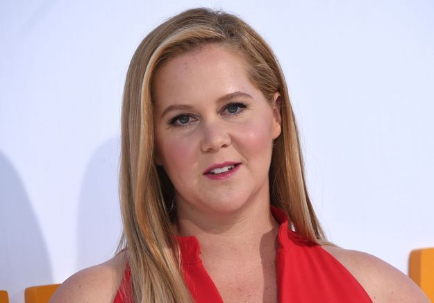 Quand Amy Schumer dénonce avec humour le « mom-shaming »