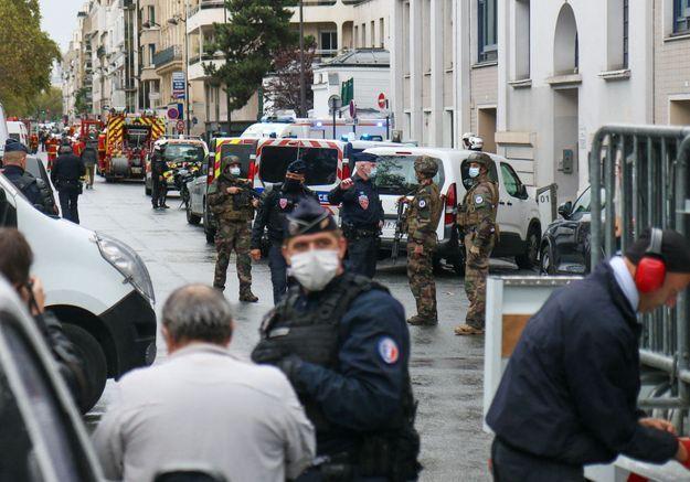 Deux personnes blessées dans une attaque à l'arme blanche près des anciens locaux de Charlie Hebdo