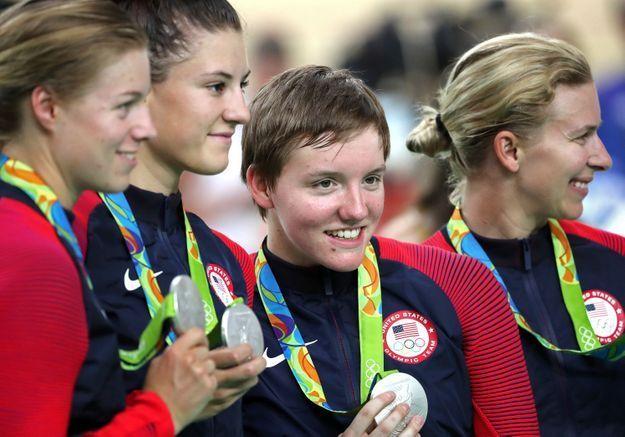 « S'il te plait, ne te suicide pas » : les mots bouleversants de sa sœur à la championne cycliste Kelly Catlin
