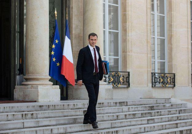 Sécurité Sociale : Olivier Véran promet un milliard d'euros supplémentaire pour financer la dépendance