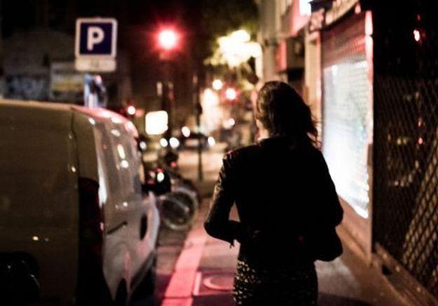 TikTok : elle enregistre un faux coup de fil pour aider celles qui se sentent menacées dans la rue