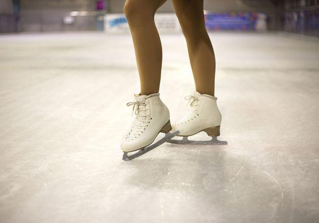 « Tu couches avec moi et je fais monter ta fille au haut niveau » : Gilles Beyer mis en cause par la mère d'une jeune patineuse