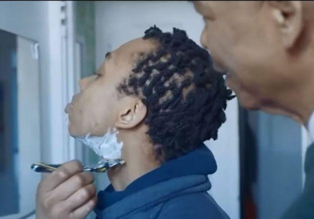 Un père apprend à son fils transgenre à se raser : la pub qui fait (enfin) bouger les lignes
