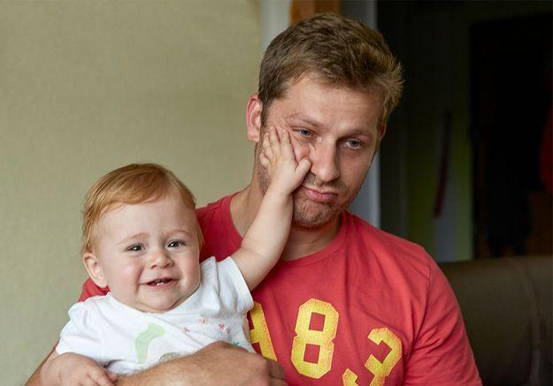 Une étude affirme qu'avoir des enfants rendrait moins heureux
