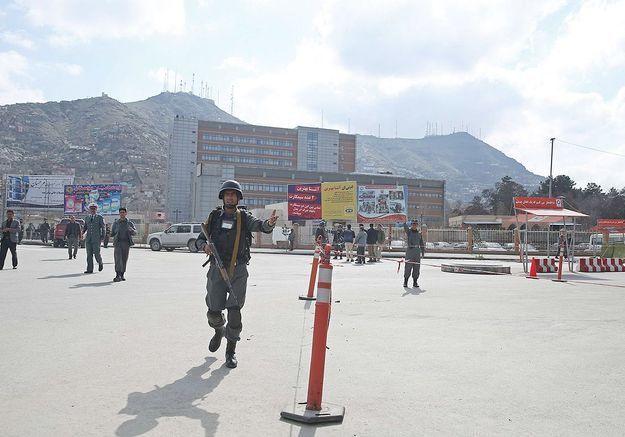 Une journaliste tuée en Afghanistan, sa consœur gravement blessée