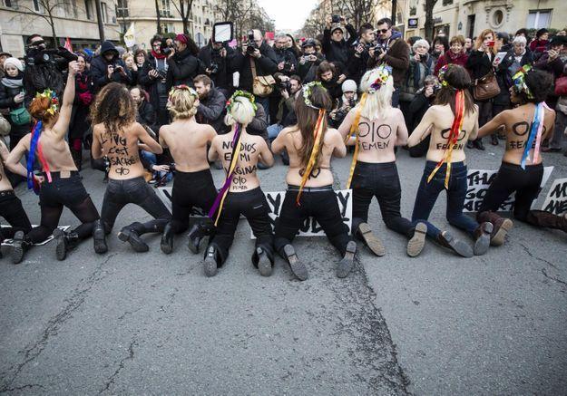 Une manifestation anti-femen organisée à Paris