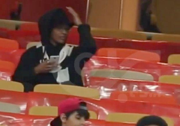 Une Saoudienne se déguise en homme pour assister à un match