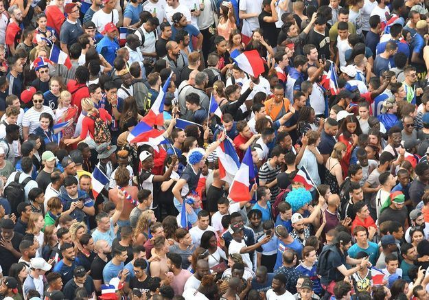 Victoire des Bleus : des supportrices dénoncent les agressions sexuelles qui leur ont gâché la fête