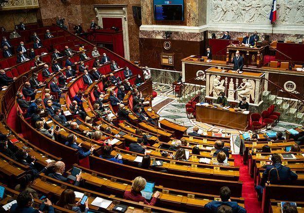Violences sexuelles : le Parlement adopte définitivement une loi visant à protéger davantage les mineurs