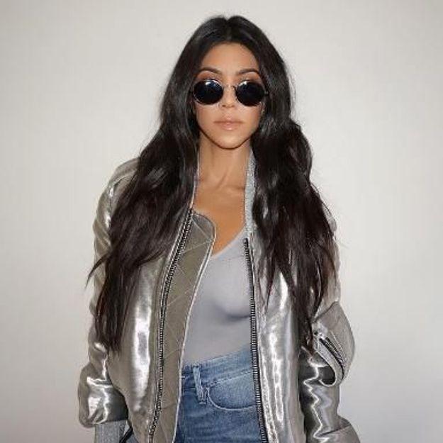 Le secret des cheveux brillants de Kourtney Kardashian se trouve dans votre cuisine