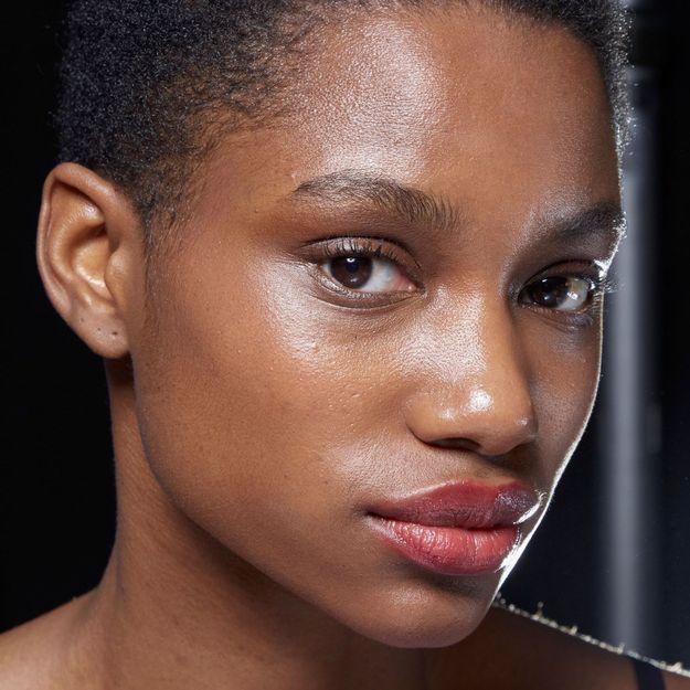 Qu'est-ce que la « Golden Minute », le secret des stars pour une peau hydratée ?