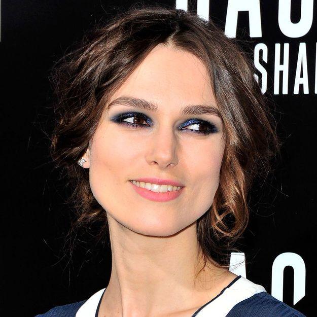 On veut toutes le smoky eyes bleu de Keira Knightley