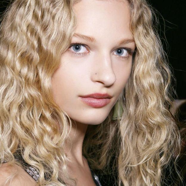 Tuto : comment avoir les cheveux frisés