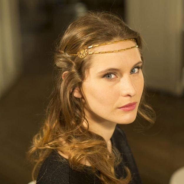 Comment faire une jolie coiffure avec un headband