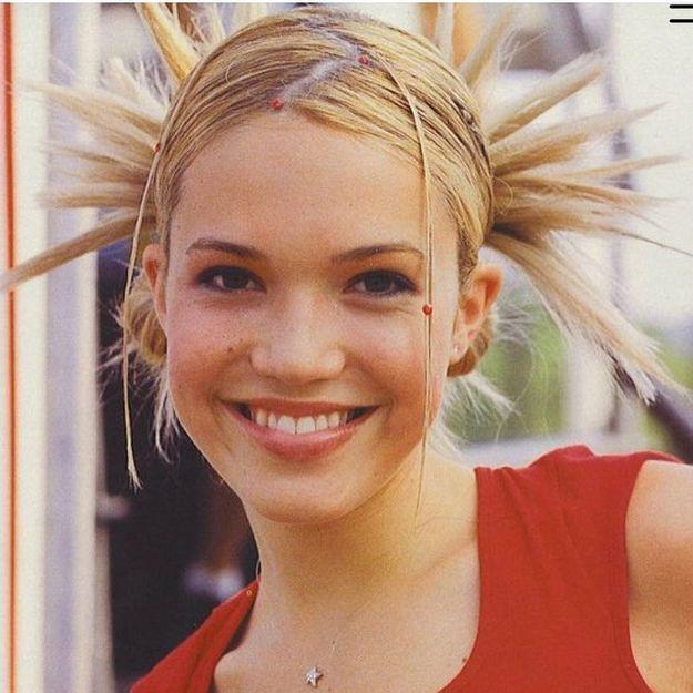 Vous n'êtes pas prêts pour le retour de cette coiffure culte des années 2000