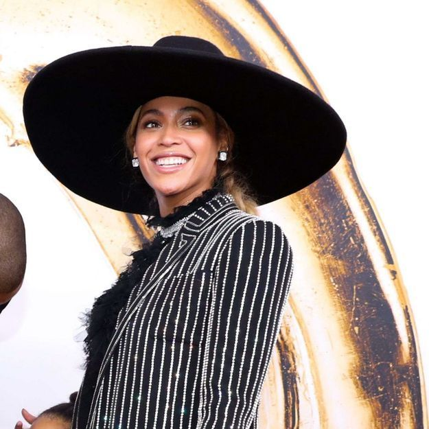 Beyoncé : elle n'a jamais eu les cheveux aussi foncés