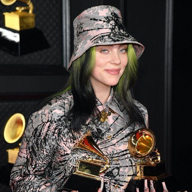 Billie Eilish change radicalement de couleur de cheveux et crée le buzz