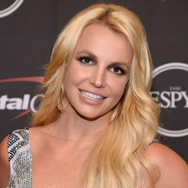 Britney Spears : elle affole le web avec sa coloration des années 2000