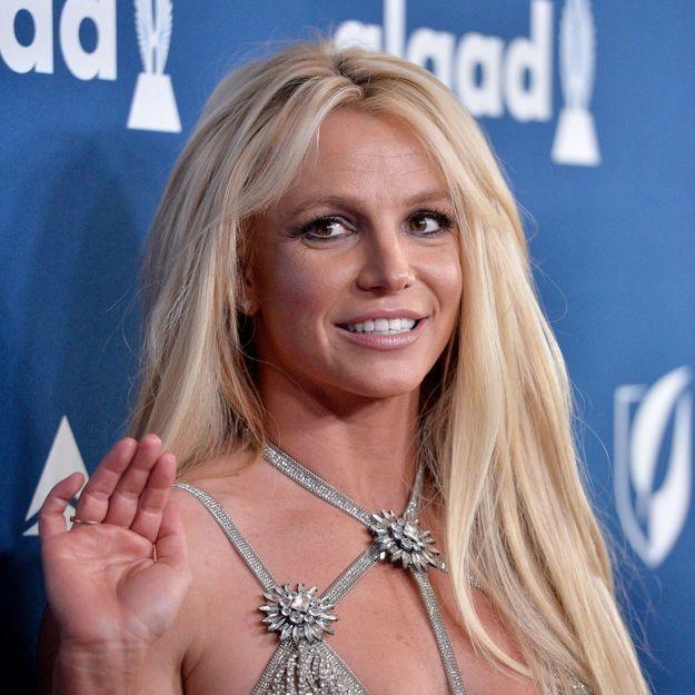 Britney Spears : elle succombe à la frange et ses fans adorent !
