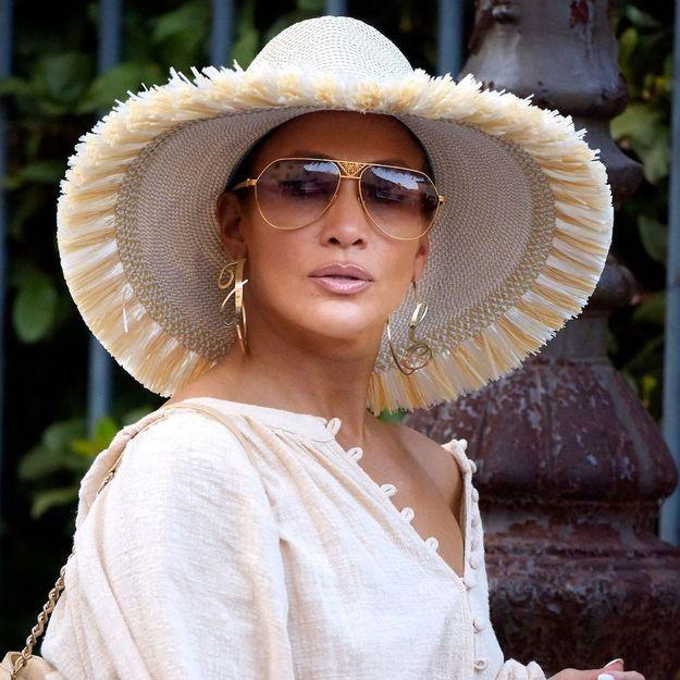 Jennifer Lopez adopte la coiffure préférée des Kardashian (et c'est canon)