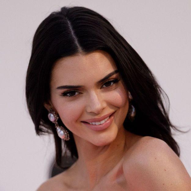 Kendall Jenner prouve que cette coiffure d'enfance se porte à tout âge