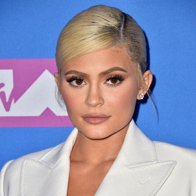 Kylie Jenner dévoile sa vraie chevelure pour la première fois