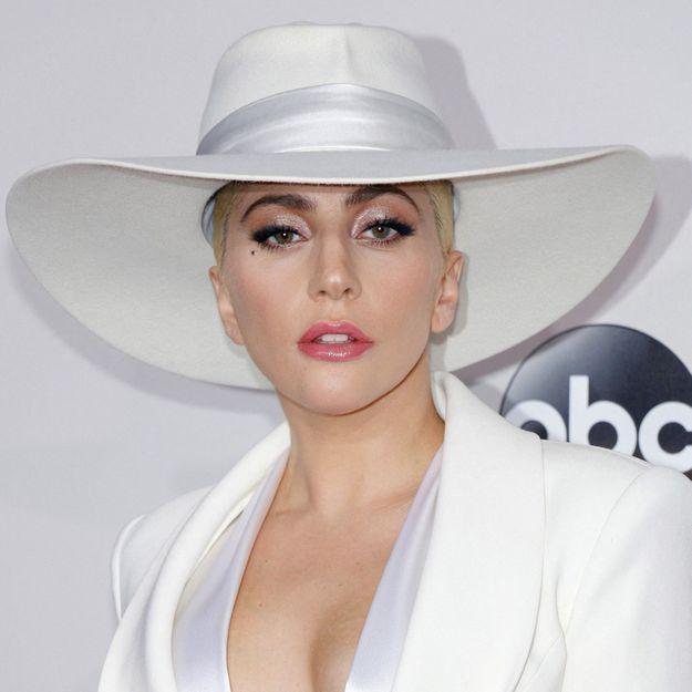 Lady Gaga : elle adopte la coupe de cheveux emblématique de Madonna
