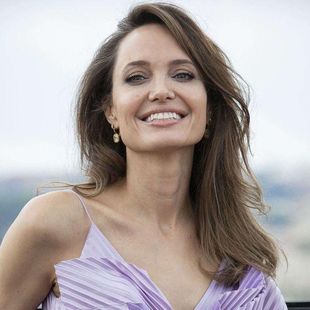 Pour son prochain film, Angelina Jolie renoue avec cette coloration de son passé
