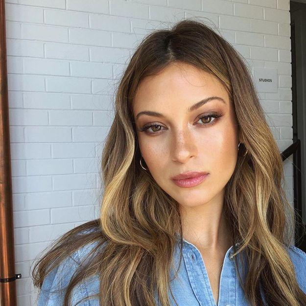 « Dirty brunette » : la coloration cheveux qui ne demande aucun effort