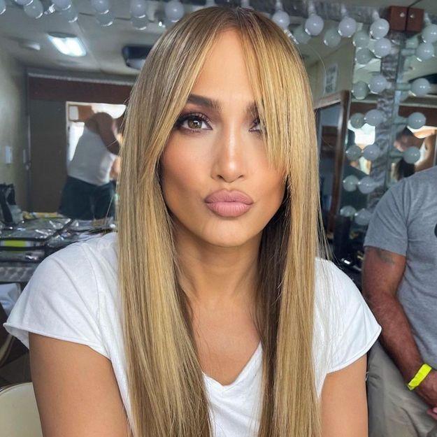 Liquid hair : la tendance qui rend les cheveux brillants instantanément