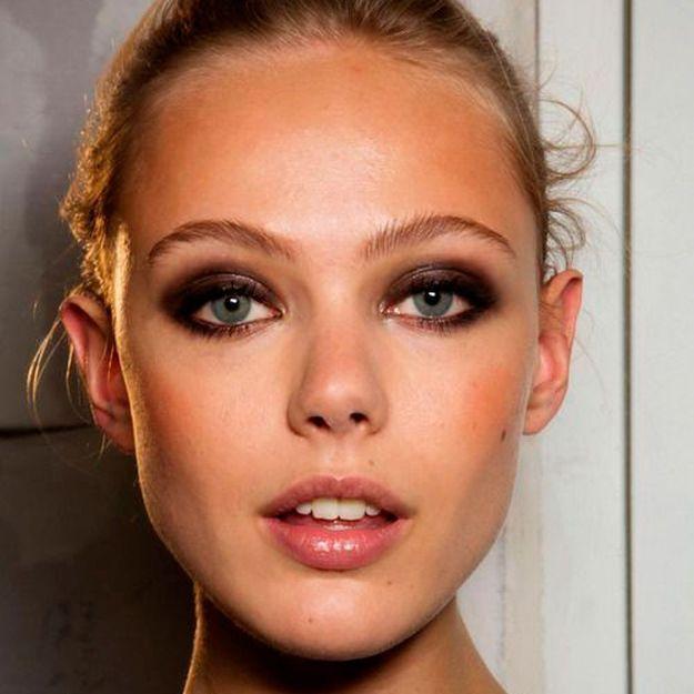 Leçon de maquillage : comment faire un smoky eyes