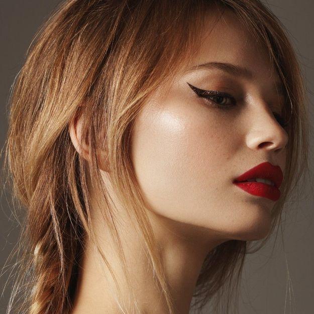 Astuce make-up : comment appliquer son eye-liner sans trembler ?