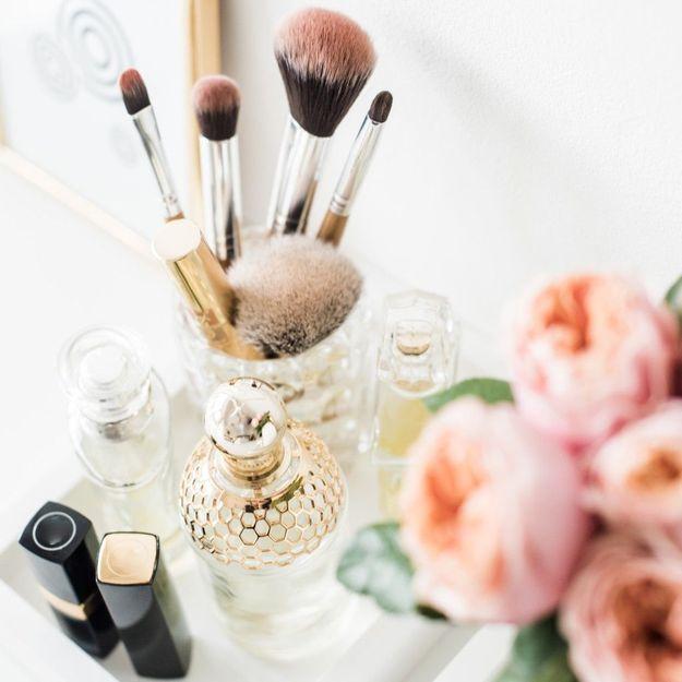 Mascara, rouge à lèvres, vernis... Comment bien ranger son maquillage ?